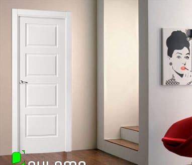 Puerta abatible lacada de paso para interior blanca con rectangulos simétricos